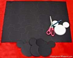 A Happy Mum: Join in our Disney celebration! - How to make Minnie Mouse invites
