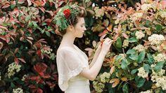 Vestido de inspiración modernista en tul bordado y plumeti, de L'Arca.