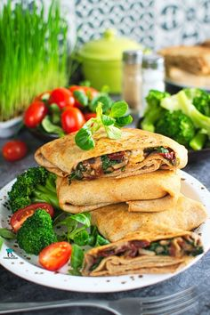 Salmon Burgers, Tacos, Lunch, Pierogi, Cooking, Ethnic Recipes, Food, Diet, Kitchen