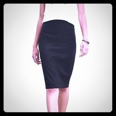 Banana Republic skirt in black. I almost hate to list it, but I have too many black skirts!! Black Banana Republic skirt in black.  Fully lined, dry clean only, Banana Republic Skirts Pencil