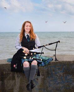Girl Bagpiper Alexandria McDougall Scottish Dress, Scottish Clothing, Kilt Wedding, Cute Girls, Cool Girl, Celtic Pride, Kilt Skirt, Celtic Culture, Highland Games