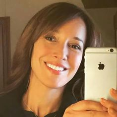 Jennifer Beals takes the best selfies.