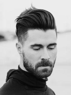 Mèche en arrière et cheveux volumineux sur le dessus, rasés sur le cote #hair #hairstyle #coiffure #coiffeur #style #menstyle