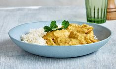 Warm up with Mary Berry's easy chicken korma recipe, a quick make-ahead curry that's perfect for feeding a hungry crowd alongside generous helpings of rice. Easy Chicken Korma Recipe, Chicken Curry, Chicken Recipes, Cooking Tv, Cooking Recipes, Cottage Pie, Mary Berry, Quick Meals, New Recipes