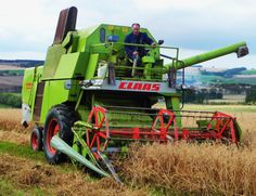 Claas combine working   STARBURST HEREFORDS & ROUGH COLLIES