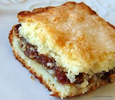 Raisin Squares - a sweet raisin filling between two layers of soft, tender, flaky cake-like pastry. Raisin Pie Filling Recipe, Raisin Squares Recipe, Boiled Raisin Cake Recipe, Pastry Recipes, Baking Recipes, Cookie Recipes, Dessert Recipes, Raisin Filled Cookies, Bar Cookies