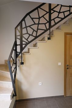 Yves Deneyer - Menuiserie métallique - Ferronnerie Interior Stair Railing, Modern Stair Railing, Balcony Railing Design, Modern Stairs, Stair Design, House Front Design, House Stairs, Stairways, Small Bathroom