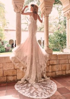 It's all about the layers in this sexy, romantic, and almost-fit-and-flare beaded sheath bridal dress. If you're a fan of lace, there's really no need to keep scrolling. Wedding Dress Pictures, New Wedding Dresses, Elegant Wedding Dress, Bridal Dresses, Vera Wang, Blush Gown, African Wedding Dress, Maggie Sottero Wedding Dresses, Glamour