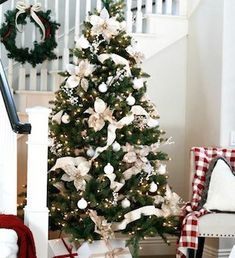 Check Out 21 Classy Christmas Decorations Ideas To Get Inspired. Get inspired by these Christmas decorating ideas to transform your home into a holiday haven. Classy Christmas, Beautiful Christmas Trees, Diy Christmas Tree, Xmas Tree, All Things Christmas, Christmas Holidays, White Christmas, Christmas Inspiration, Christmas Tree Decorations