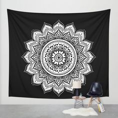 Black and White Mandala wall tapestry!! available in three sizes: Small: 51 x 60 Medium: 68 x 80 Large: 88 x 104 ** In the photo is the large