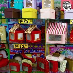 Creative pastry boxes at Cityplace Square :) Photo taken at Kyla Mae Balloons and Party Supplies at Cityplace Square :) Other baked good packaging supplies also found in Elcano St. Cake Supplies, Baking Supplies, Party Supplies, Packaging Supplies, Cookie Box, Bakeries, Shop Ideas, Manila, Arcade Games