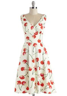 Stem Fields Dress, I can be a grown up and wear cherry dresses? Dress Outfits, Fashion Dresses, Cute Outfits, Retro Vintage Dresses, Vintage Outfits, Mod Dress, Dress Up, Flare Dress, 1950s Fashion
