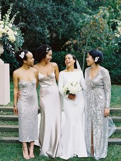Bride posing with bridesmaids in silver metallic dresses Great Gatsby Wedding, Formal Wedding, Wedding Ideas, Wedding Stuff, Dream Wedding, Metallic Bridesmaid Dresses, Wedding Dresses, Wedding Flowers, Long Silver Dress