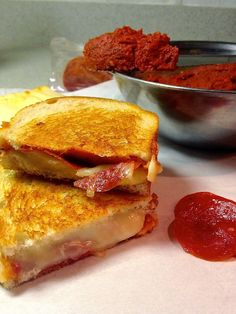 Pepperoni Pizza Grilled Cheese - www.soliloquyoffood.com