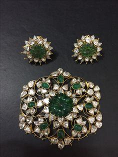Without wax pendant set India Jewelry, Bead Jewellery, Pendant Jewelry, Beaded Jewelry, Victorian Jewelry, Antique Jewelry, Antique Pearl Necklace, Emerald Jewelry, Gold Jewelry