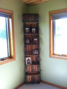 Toboggan Picture Shelf