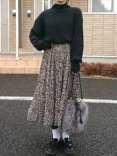 Frock Fashion, Modest Fashion, Fashion Outfits, Long Skirt Fashion, Korean Girl Fashion, Japanese Fashion, Long Skirt Outfits, Oriental Fashion, Mode Outfits