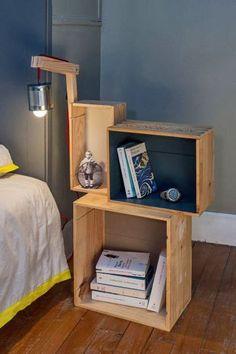 Déco pas cher chambre : recycler des caisses à vin en table de chevet - Côté Maison
