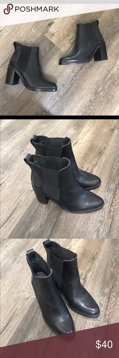 Topshop black leather ankle boots booties 6 6.5 Topshop black leather ankle boots booties 6 6.5 Topshop Shoes Ankle Boots & Booties