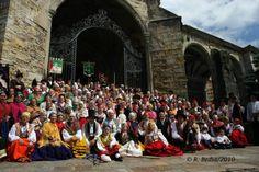 Laredo acogerá el próximo domingo el XI Encuentro de Trajes Regionales de Cantabria que organiza la Asociación Cultural Son de Laredo, con la colaboración del Ayuntamiento de Laredo.