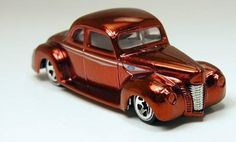 Hot Wheels Classics #2-19 1940 Ford Coupe Red 1/64      Free Shipping!!