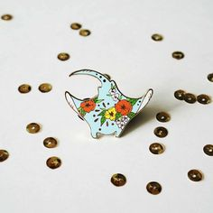 http://sosuperawesome.com/post/168730731111/enamel-pins-by-ginably-on-etsy-see-our-enamel