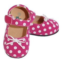 Adorable soft sole shoes for your baby or toddler girl from Itzy Bitzy.  These pink and white polka dot shoes feature a cute bow at the toe and adjustable strap across the top. With our adorable Itzy Bitzy soft baby shoes, your infant or toddler is bound