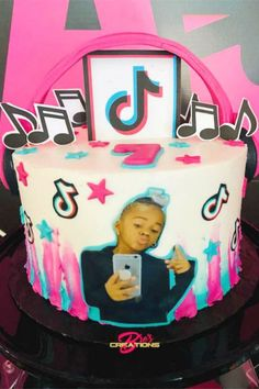 Girls 9th Birthday, 12th Birthday Cake, 10th Birthday Parties, Girl Birthday Decorations, Birthday Cake Decorating, Cake Decorations, Instagram Cake, Girl Cakes, Music Notes