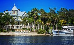 Lamb Manor Private Tampa Wedding Venue - house now for sale Utah, Abandoned Mansion For Sale, Florida Mansion, Storybook Homes, Florida Wedding Venues, Destination Weddings, Southern Plantations, Tampa Bay Area, Expensive Houses