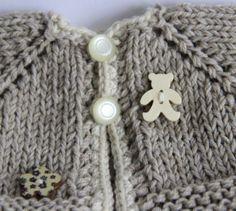 Unikat-Jacke-fuer-ca25-30cm-Baeren-Teddy-Puppe-Puppenkleidung-Strickjacke-vintage