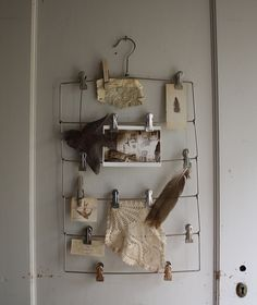 Metal wire hanger... Absolutely love this chic idea!