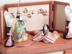 桜柄の雅な創作木目込みひな人形収納飾り
