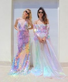Love the sequins on the dresses and the dress of course. Pretty Dresses, Beautiful Dresses, Mode Chanel, Prom Dresses, Wedding Dresses, Mermaid Dresses, Mermaid Sequin Dress, Mermaid Outfit, Gyaru