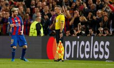 Lionel Messi celebra anotando el segundo gol