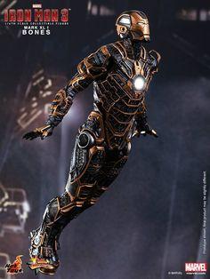 Hot Toys - IRON MAN 3 Bones (Mark XLI) Collectible Figure — GeekTyrant
