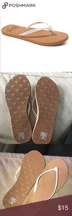 Roxy LAHAINA SANDALS BRAND NEW! I bought them and they were the wrong size. Sticker still on them. Roxy Shoes Sandals