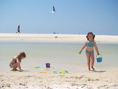 How to pack for a day at the beach with your kids