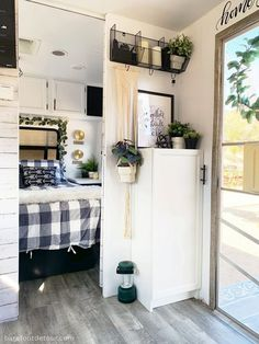 Nice 15 Camper Remodel Ideas & DIYS For some individuals, a camping trailer can be an extremely expensive investment. Here, the trailer is really a getaway. A travel trailer can give tho. Camper Diy, Camper Hacks, Camper Trailers, Travel Trailers, Camper Ideas, Rv Campers, Rv Hacks, Caravan Hacks, Tiny Camper