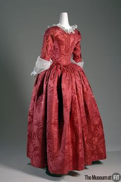 Robe à l'anglaise Red silk damask Circa England Fabric by Anna Maria… 18th Century Dress, 18th Century Costume, 18th Century Clothing, 18th Century Fashion, Historical Costume, Historical Clothing, Antique Clothing, Vintage Outfits, Vintage Dresses