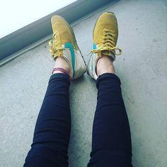 31 個讚,1 則留言 - Instagram 上的 ru////miiii(@7mirurun6):「 今日も👟✨ またまた久しぶりの モントリオール👟 最近は……娘が履きつぶしてて 汚れが…………😂 #nike #プレモントリオール #足元  #スニーカ#デニム#moussy  #tシャツ #gu… 」