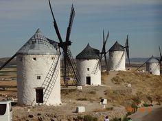 Molinos de Viento. Castilla la Mancha. Gigantes de Don Quijote de la Mancha