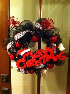 Inspiration for front door wreath - Olivia party