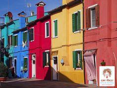 Le tipiche case colorate di Burano.