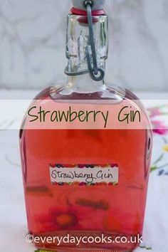 Strawberry Gin is a pretty pink gin. Just the thing for a long summer drink with tonic, or in a fruit punch or cocktail, and plenty of ice. Liquor Drinks, Bourbon Drinks, Wine And Liquor, Drinks Alcohol, Gin Liqueur Recipe, Cordial Recipe, Gin Recipes, Gin Cocktail Recipes, Cocktail Drinks