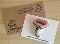 このキノコ the mushroomお名前:russula aqueusename : russula aqueuse色:赤色またはピンクcolour : r...|ハンドメイド、手作り、手仕事品の通販・販売・購入ならCreema。
