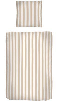 Tolles modernes Streifendesign in sommerlichen Farben ziert die Bettwäsche »Streifen« von my home. Das breite Streifendesign, die dezenten Farben und das hochwertige Material machen diese Bettwäsche zu Ihrem neuen Lieblingsstück. Das Stoff aus reiner Baumwolle ist nicht nur besonders hautfreundlich, sondern überzeugt auch durch seine pflegeleichten Eigenschaften. Der Kissenbezug und der Bettbez...