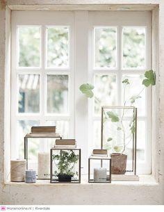Trendy home decoratie vensterbank Ideas Window Seal Decor, Window Ledge Decor, Window Sill, Style At Home, My Living Room, Living Room Decor, Lanterns Decor, Window Styles, Trendy Home