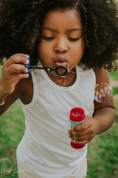 Ensaio Fotográfico Infantil realizado em parque de Belo Horizonte Young People, Drawing Reference, Photoshoot, Photography, Women, Art, Kid Picture Poses, Kid Poses, Family Photos