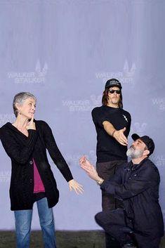 When Negan wants to marry Carol, Daryl to the rescue! Daryl Dixon Walking Dead, Walking Dead Funny, Walking Dead Tv Series, The Walking Dead 3, Daryl And Carol, Melissa Mcbride, Carl Grimes, Cinema, Best Friends Forever