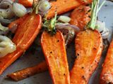 Roasted Carrots with Shallots & Thyme- I love the way these carrots look! So beautiful and roasted carrots are my favorite! Side Recipes, Vegetable Recipes, Vegetarian Recipes, Cooking Recipes, Healthy Recipes, Cooking Tips, Healthy Snacks, Enjoy Your Meal, Thyme Recipes